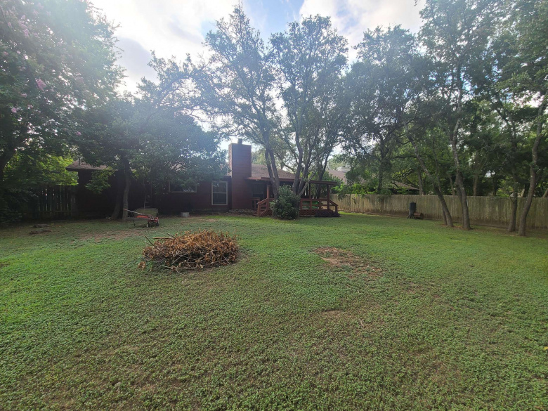 325 WOODLAND TRAIL, BELTON, Texas 76513, ,Homes,For Sale,WOODLAND TRAIL,1037