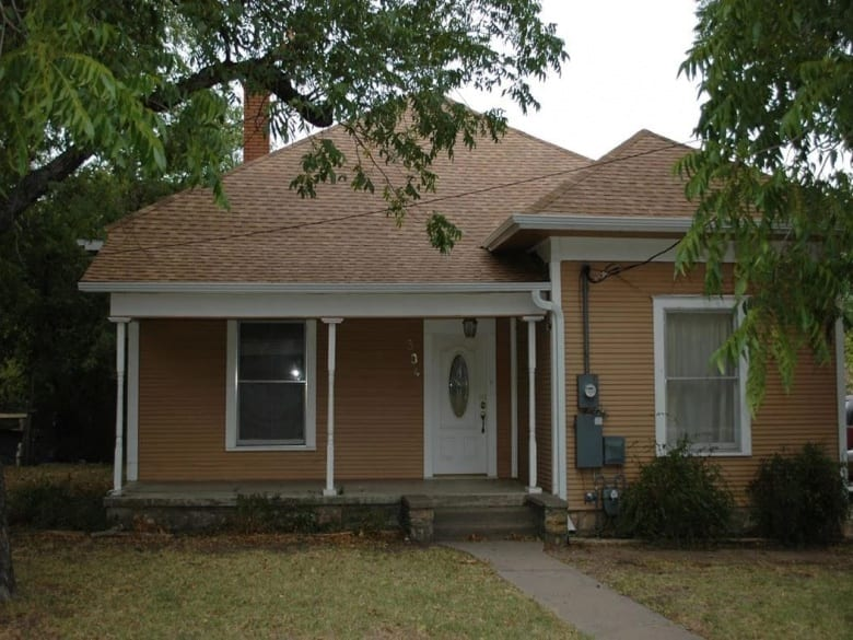 304 West Neely Avenue, Comanche, Texas 76442, ,Homes,Sold,West Neely Avenue,1005